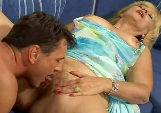 sexually excited mama lady spreads her hairy muff