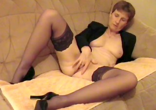 amateure aged uk wife mastrubating