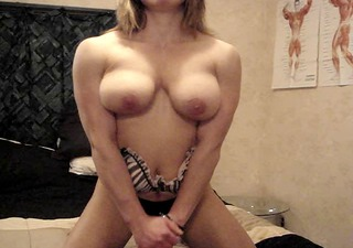 muscle babe pec bounce show
