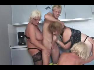 aged sex party0