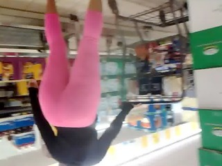 candid big butt milf in pink leggins